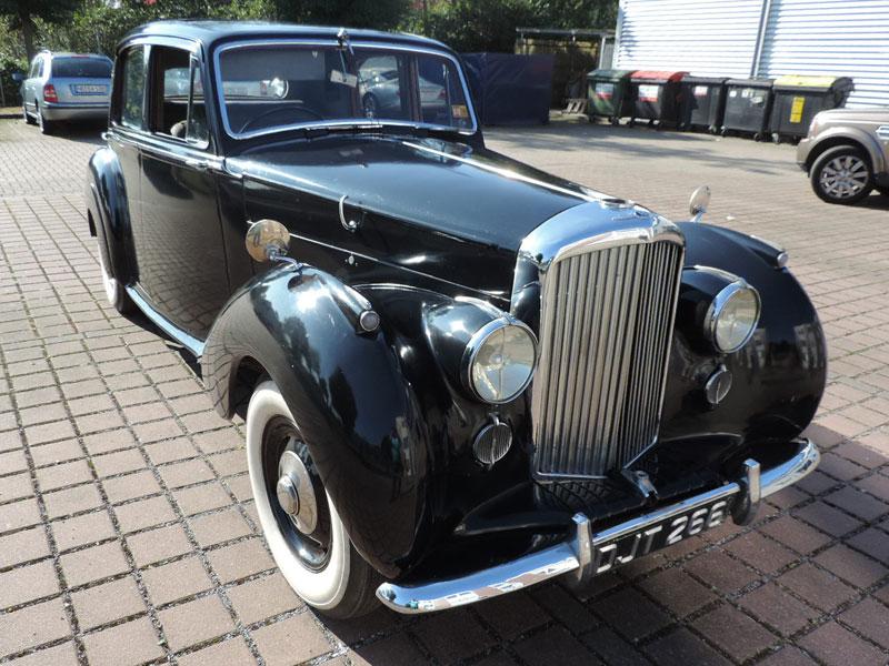 Lot 30-1949 Bentley MK VI Saloon