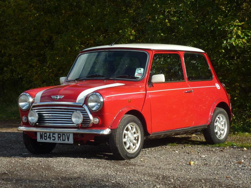 Lot 6-2000 Rover Mini Cooper