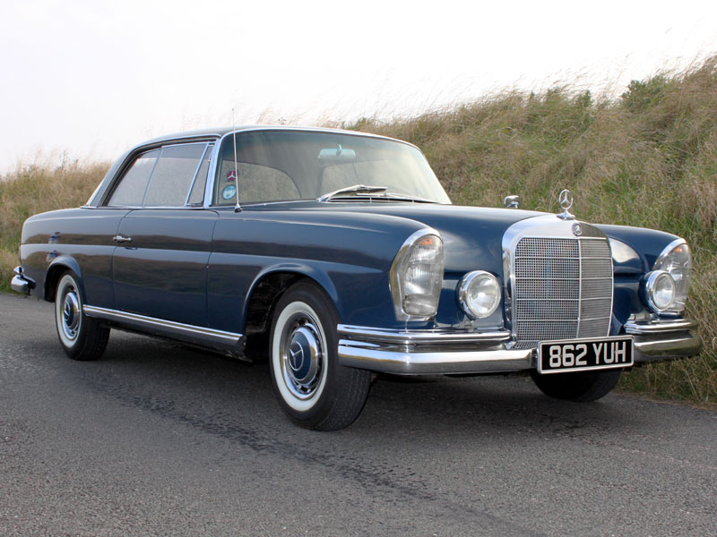 Lot 74-1962 Mercedes-Benz 220 SEB Coupe
