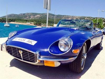Lot 67-1974 Jaguar E-Type V12 Roadster