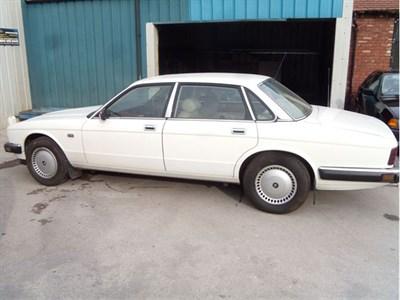 Lot 85-1988 Jaguar XJ6 3.6