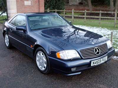 Lot 17-1995 Mercedes-Benz SL 500
