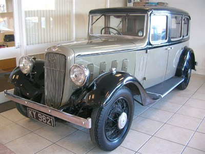 Lot 18-1935 Austin 16/6 York Saloon
