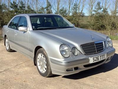Lot 55-2001 Mercedes-Benz E 200 Elegance Kompressor