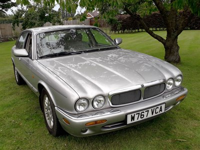 Lot 48 - 2000 Jaguar XJ8 3.2