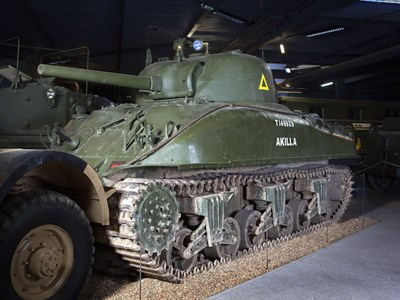 Lot 123-1943 Sherman M4A1 Grizzly I Cruiser