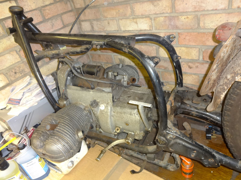 Lot 61-BMW /5 Series Frame with Engine & Sub Frame