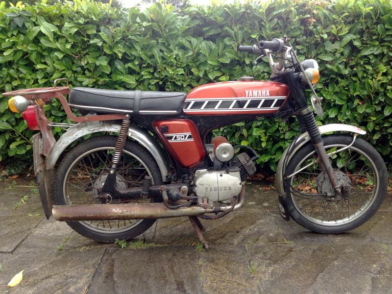 Lot 37-1976 Yamaha FS1-E