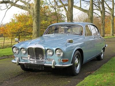 Lot 47-1969 Daimler Sovereign 4.2