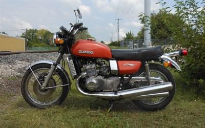 Lot 58-1974 Suzuki GT750