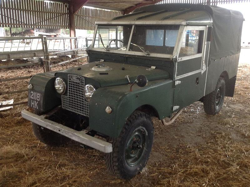 Lot 68-1957 Land Rover 109 De Luxe
