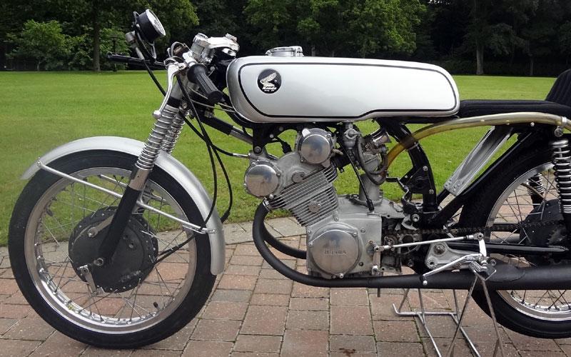 Lot 90-1962 Honda CR93