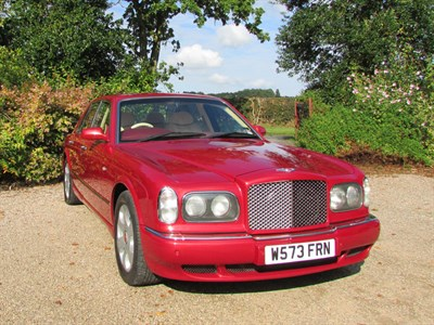 Lot 57-2000 Bentley Arnage Red Label