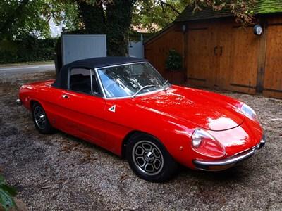 Lot 34-1975 Alfa Romeo 2000 Spider Veloce
