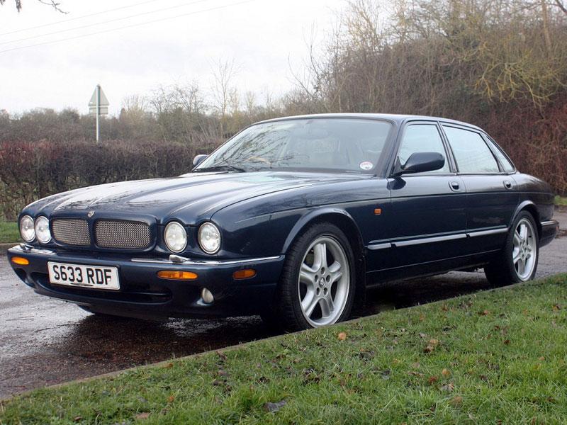 Lot 36-1998 Jaguar XJR 4.0