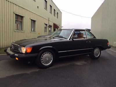 Lot 127-1986 Mercedes-Benz 560 SL