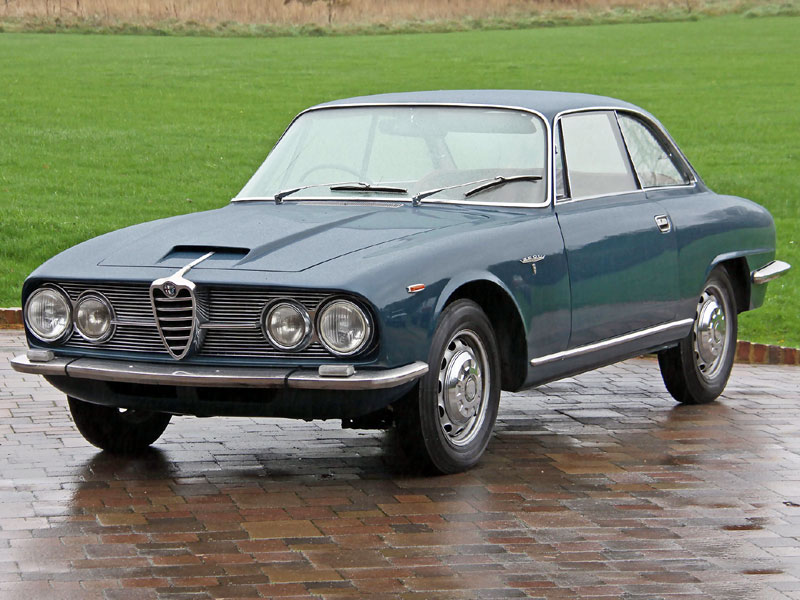 Lot 91-1965 Alfa Romeo 2600 Sprint