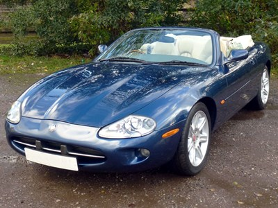 Lot 67 - 1996 Jaguar XK8 Convertible