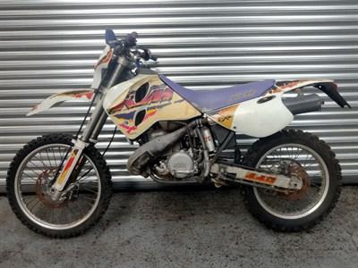 Lot 8-1990s KTM EXC 440