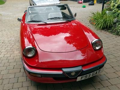 Lot 58-1989 Alfa Romeo Spider 2.0 S3