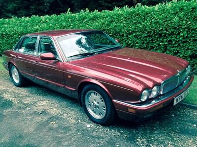Lot 26-1994 Jaguar Sovereign 3.2