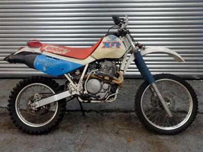 Lot 44-c.1990 Honda XR600R