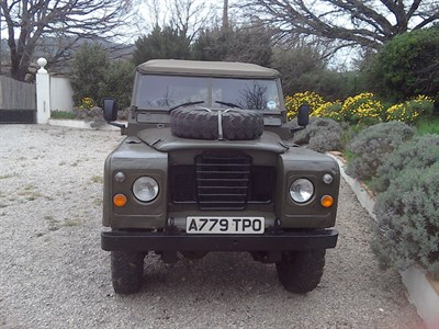 Lot 94-1979 Land Rover 109 Series III