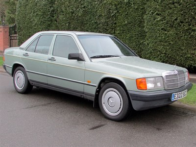 Lot 61-1987 Mercedes-Benz 190 E