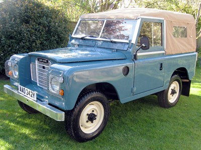 Lot 15-1983 Land Rover 88 Series III