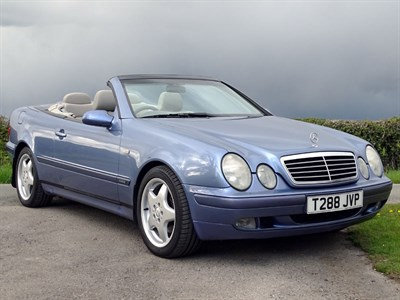 Lot 81-1999 Mercedes-Benz CLK 230 Elegance Kompressor