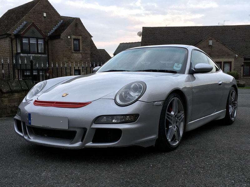 Lot 35-1999 Porsche 911 Carrera