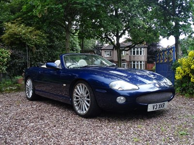 Lot 18 - 2000 Jaguar XKR Convertible