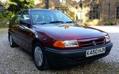 Lot 9-1993 Vauxhall Astra 1.4i GLS