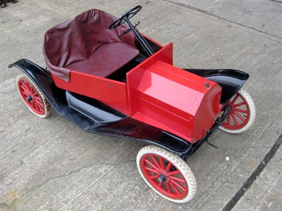 Lot 8-Briggs & Stratton Model T Parade Car