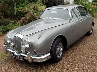 Lot 85-1964 Daimler V8-250