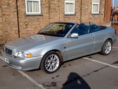 Lot 87 - 2004 Volvo C70 2.0T Collection