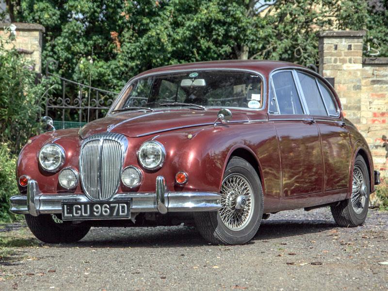 Lot 13 - 1965 Daimler V8-250