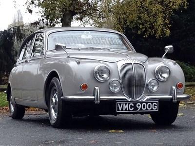 Lot 51-1968 Daimler V8-250