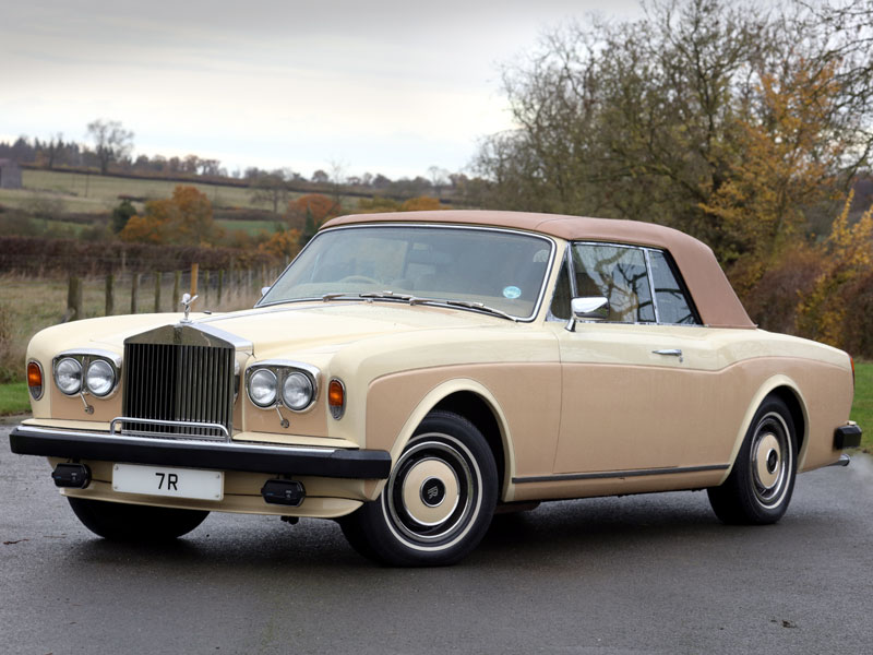 Lot 73-1982 Rolls-Royce Corniche Convertible