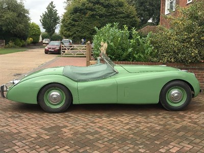 Lot 28 - 1952 Jaguar XK120 Roadster