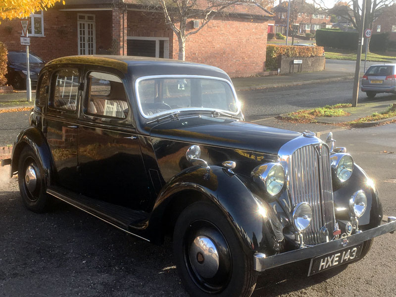 Lot 34-1946 Rover 10hp Saloon