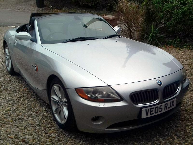Lot 83-2005 BMW Z4 3.0i SE