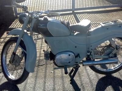 Lot 24-c.1953 Moto Guzzi Zigolo
