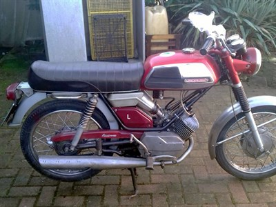 Lot 36-c.1972 Motobecane 125 L