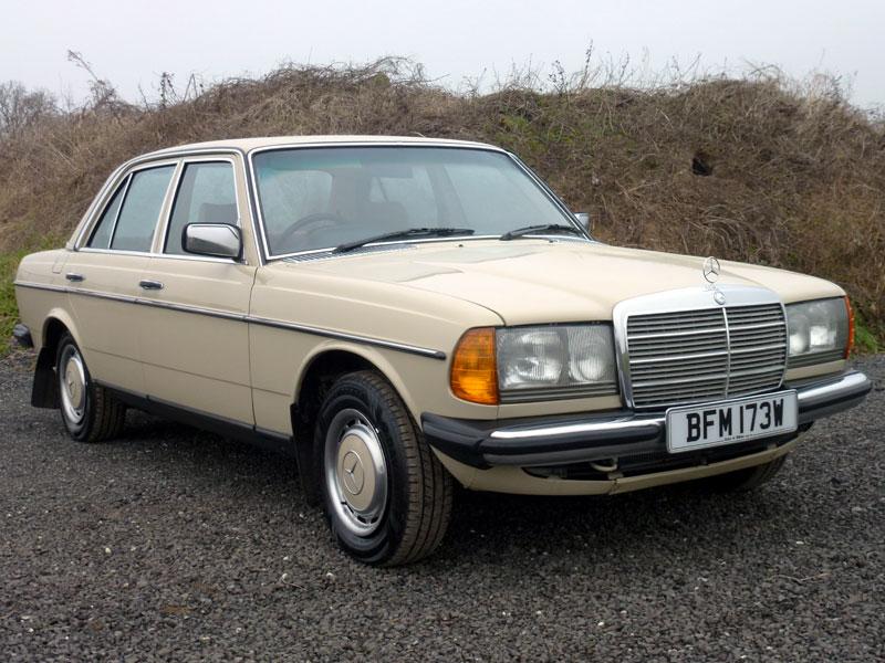 Lot 4 - 1981 Mercedes-Benz 230 E