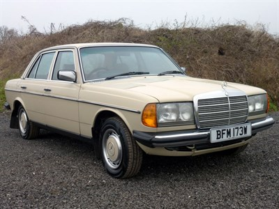 Lot 4 - 1981 Mercedes-Benz 230 E