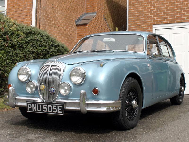 Lot 70-1967 Daimler V8-250