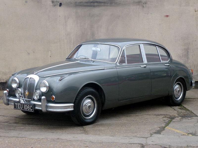 Lot 79-1965 Daimler V8-250