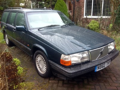 Lot 89-1995 Volvo 940 GLE Turbo