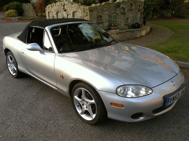 Lot 91-2003 Mazda MX-5 1.8